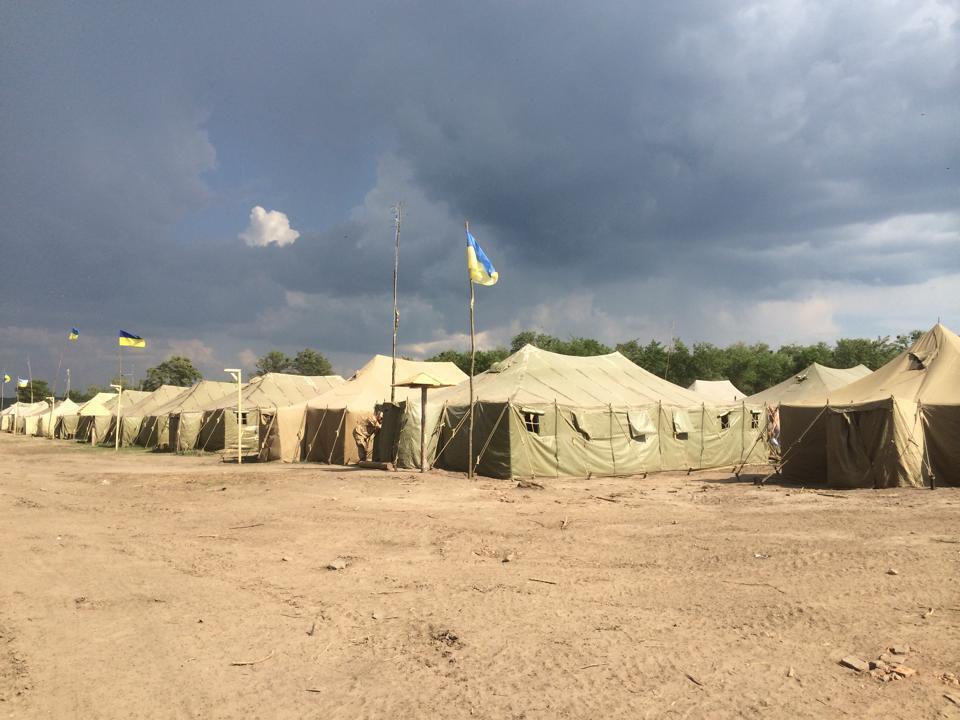 Украинские резервисты живут в спартанских условиях. Фотофакт