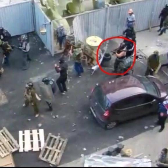 Установлена личность мужчины, расстреливавшего митингующих в Одессе