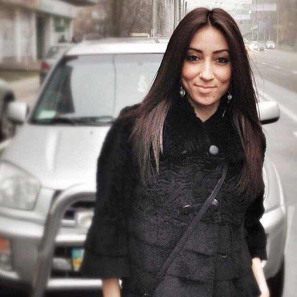Дочка депутата-олігарха сходила на тусовку і показала соски
