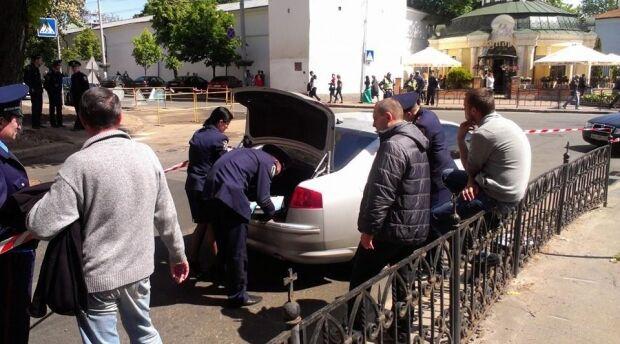 В Киеве задержали уже два автомобиля с оружием
