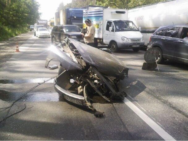 Под Киевом произошло ужасное ДТП: столкнулись два авто, три человека погибли