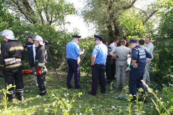 В Хмельницком автобус упал в реку: один пассажир погиб, 30 пострадали