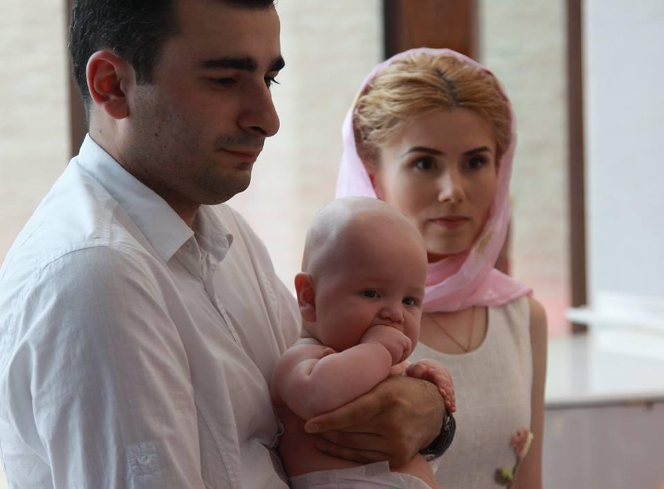 Черновецкий в Грузии крестил сына с салютом на весь курорт