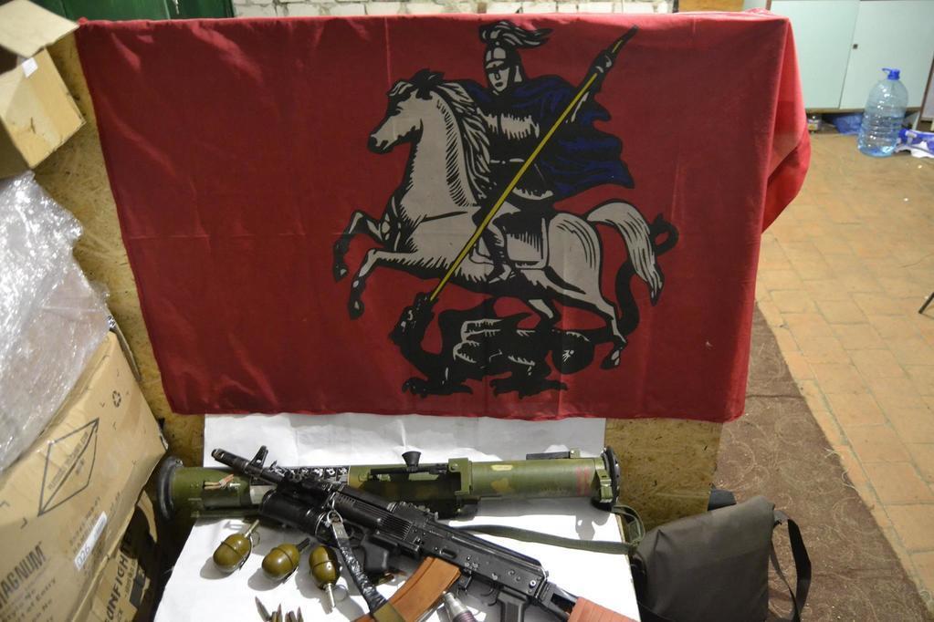 Силовики взяли под контроль город на Луганщине и пленили главаря террористов