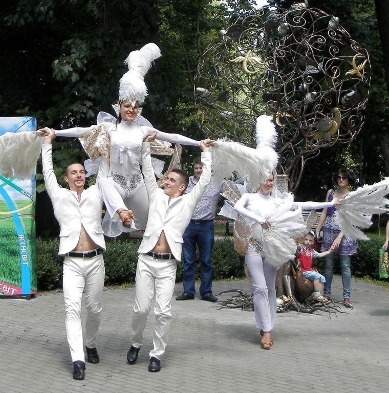 Жидков, Литовченко и Дорожкина открыли в Киеве дерево желаний