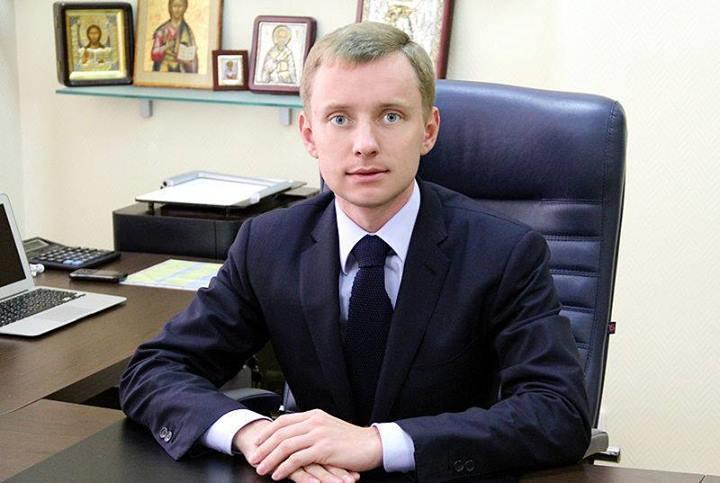 Сина регіонала Кацуби звільнили з роботи через фото з Кернесом