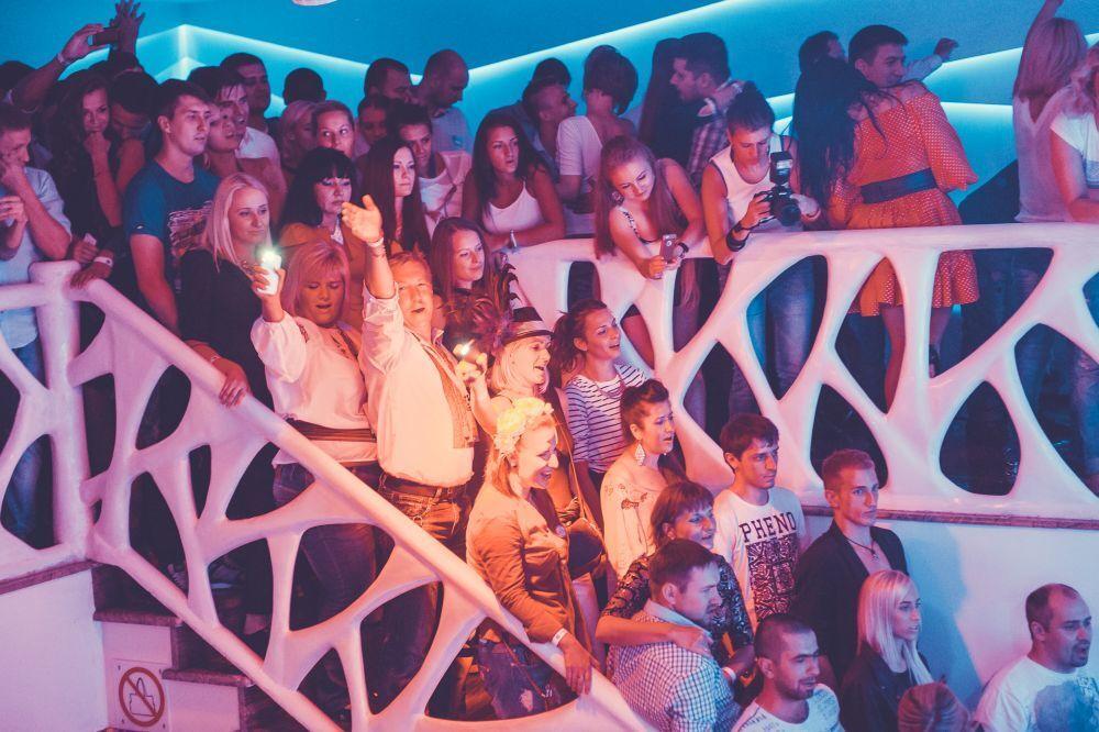 Группу DZIDZIO в Киеве едва не растерзали фанаты