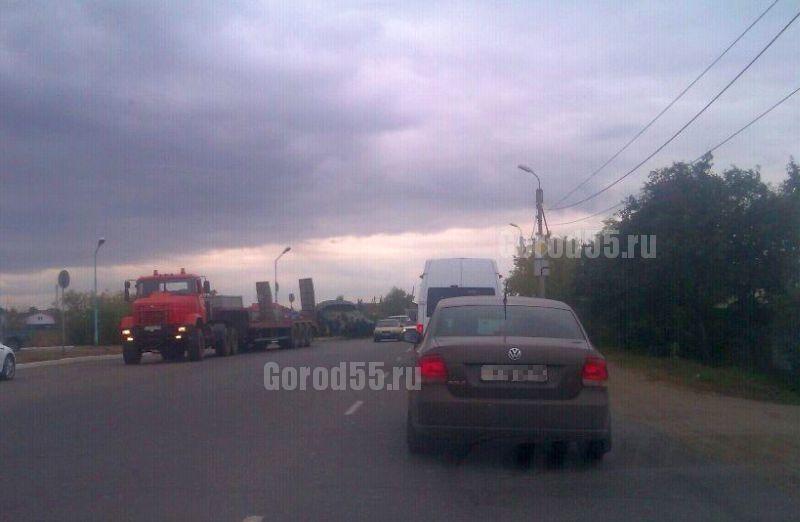 В Омске перевернулся танк