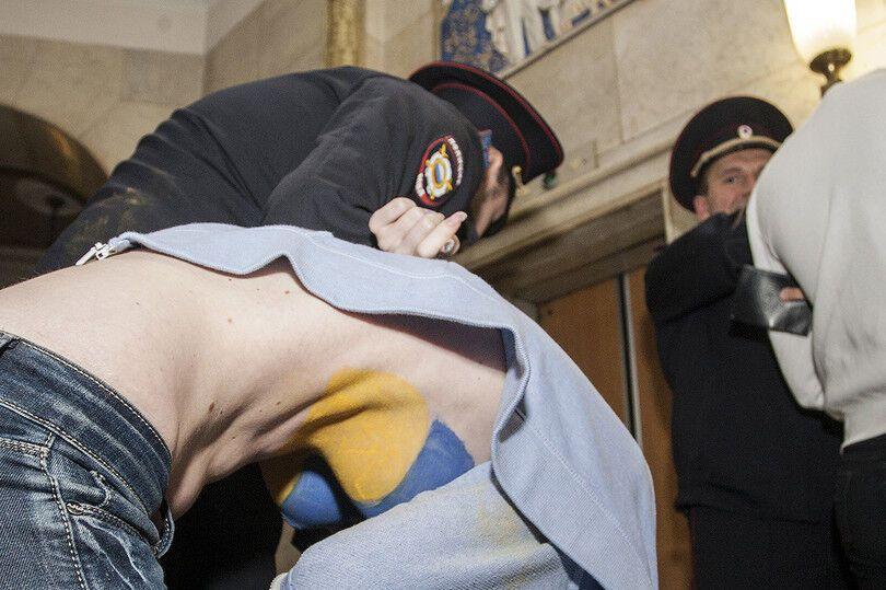 На избирательном участке в Москве задержали украинок