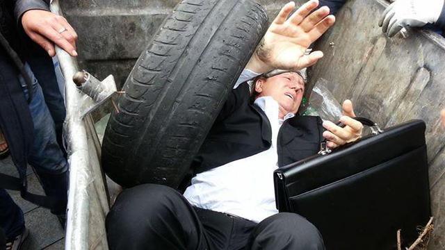 В сети прикалываются: Журавский передает регионалам #garbagechallenge