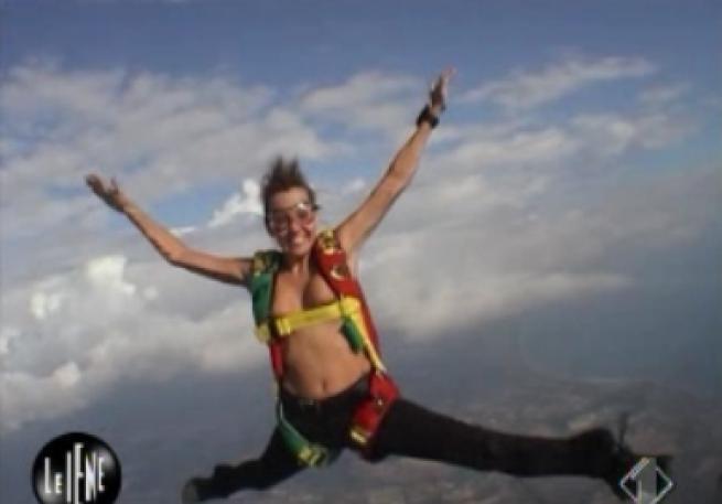 Парашютистку из Италии хотят признать самой сексуальной спортсменкой мира