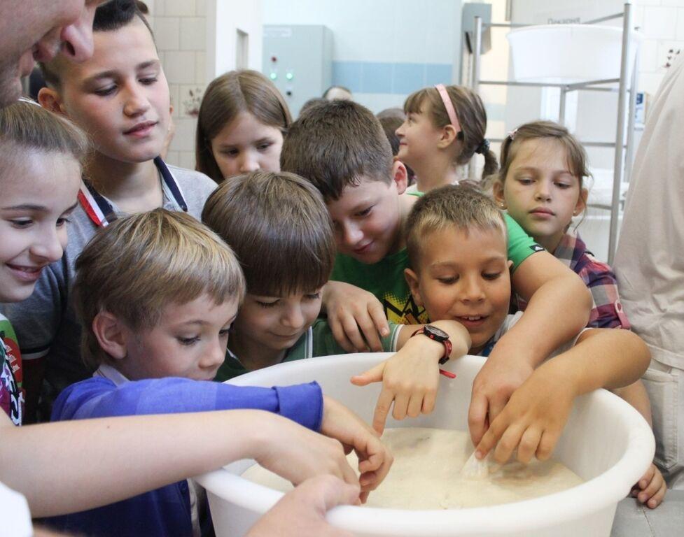Даша Малахова учит куховарить детей Окунской, Ефросининой и Зеленского