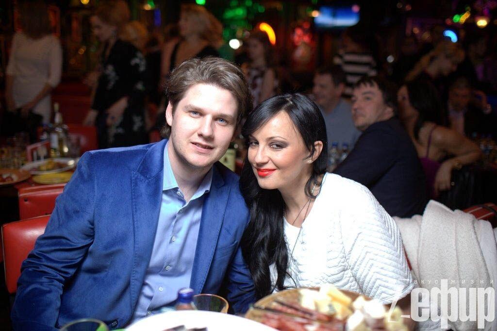 Экс-жена Шуфрича уже неделю, как не может придумать имя новорожденному сыну