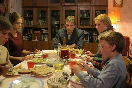 "Звезда ""Громовых"" и ""Марша Турецкого"" помогает террористам ""ДНР"""