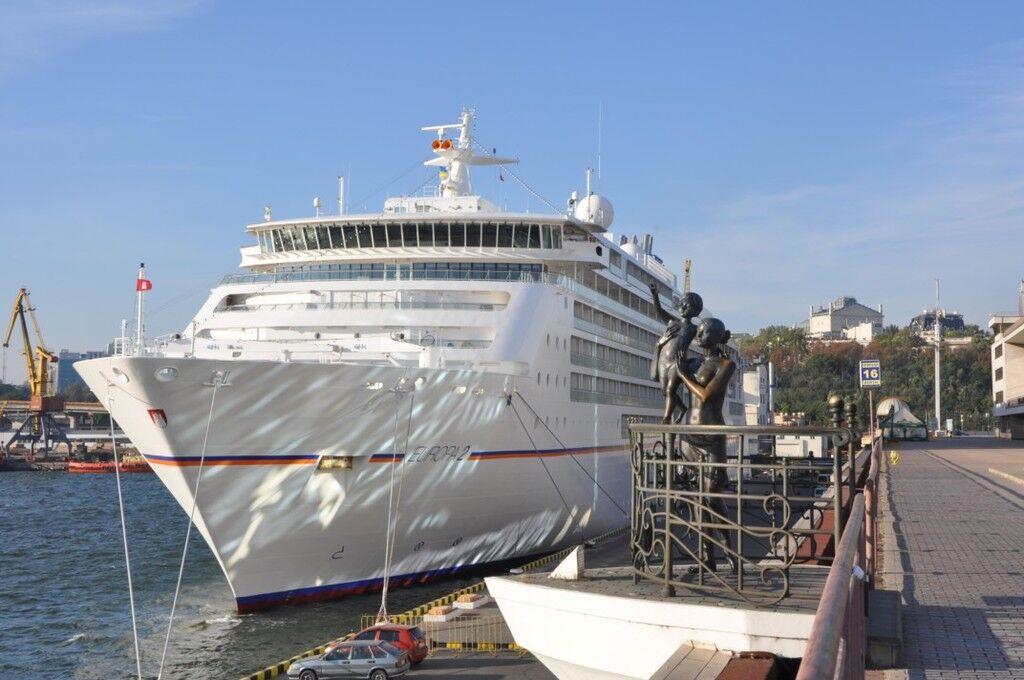 Одесский порт посетил пятизвездночный круизный лайнер
