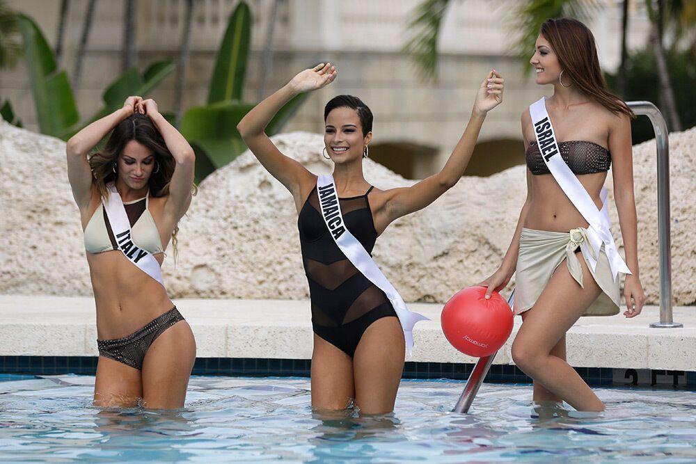 Bikini competition picture