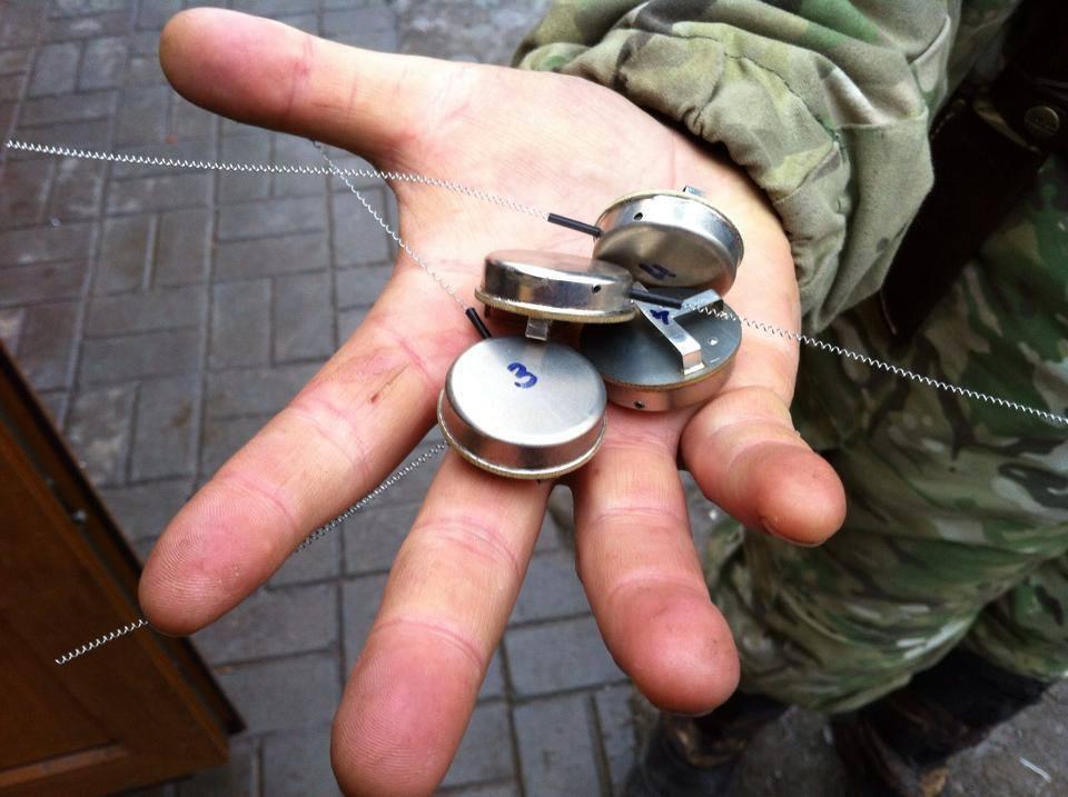 В Песках поймали возможных корректировщиков огня боевиков. Опубликованы фото