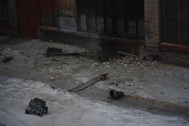 """Стаханов обстреляли из """"Ураганов"""": фотофакт"""