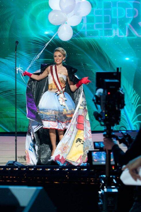 """Парад национальных костюмов """"Мисс Вселенная 2015"""": украинская """"Невеста войны"""" не прошла в финал"""