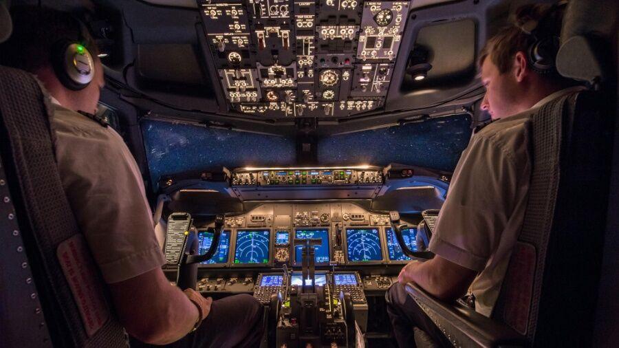 фотографии из кабины пилота менее