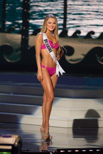 """""""Мисс Вселенная 2015"""": тренды макияжа и самые модные прически"""