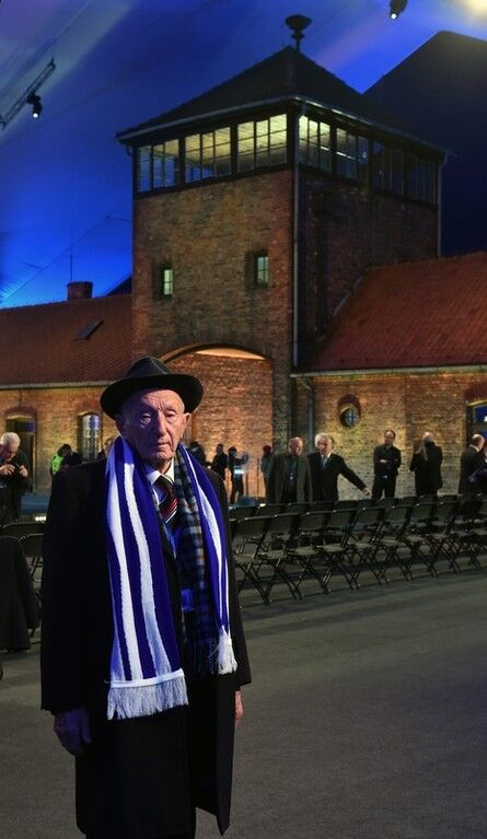 Мир почтил память жертв Освенцима: фоторепортаж
