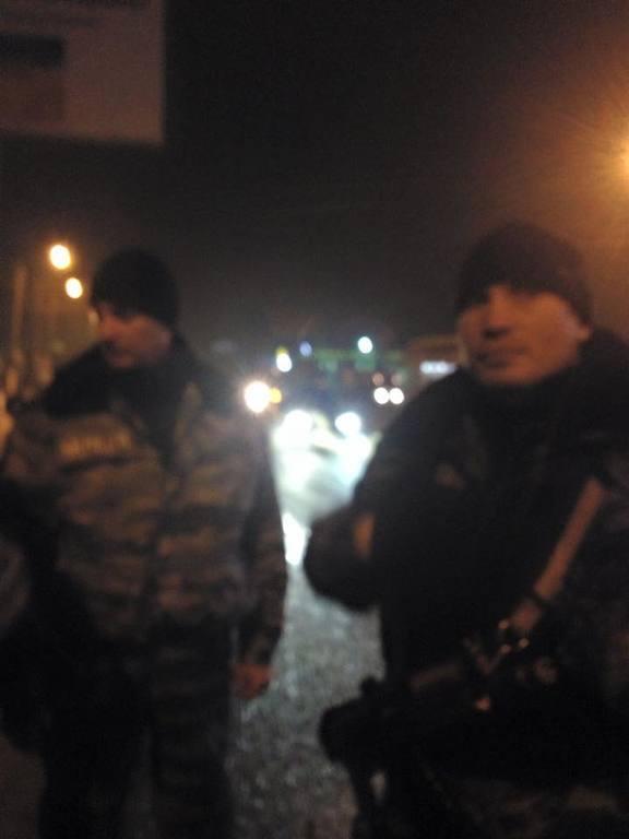 Украинского журналиста и волонтера избили на посту ГАИ за Харьковом: фото с места событий