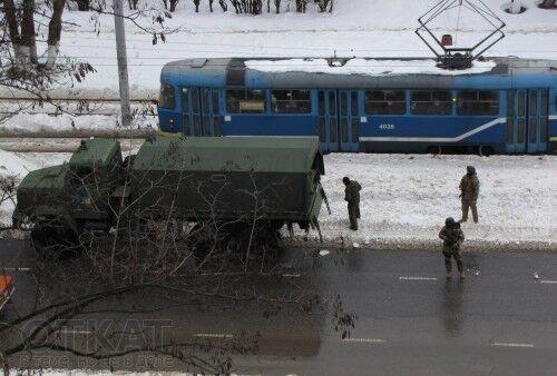 В Одессу вошли колонны военных грузовиков: будет антитеррористическая профилактика
