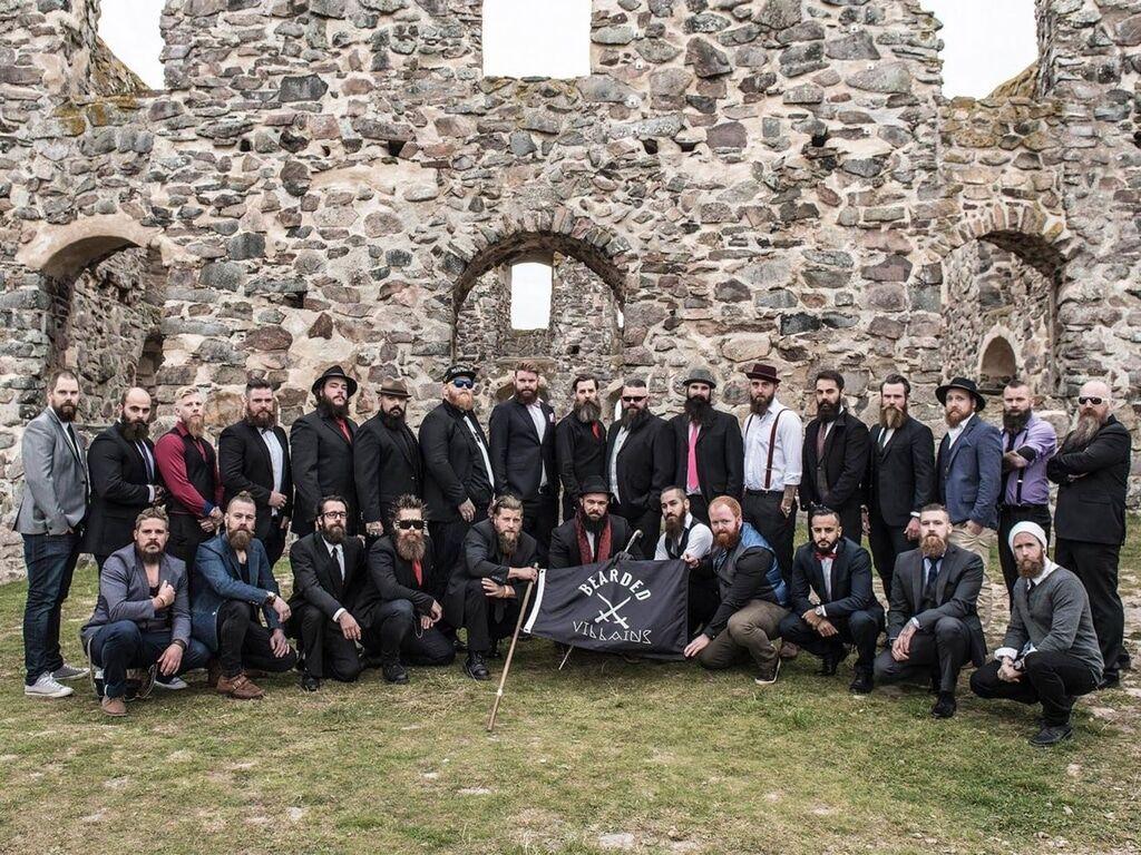 """В Швеции мирных """"бородатых злодеев"""" перепутали с террористами ИГИЛ"""