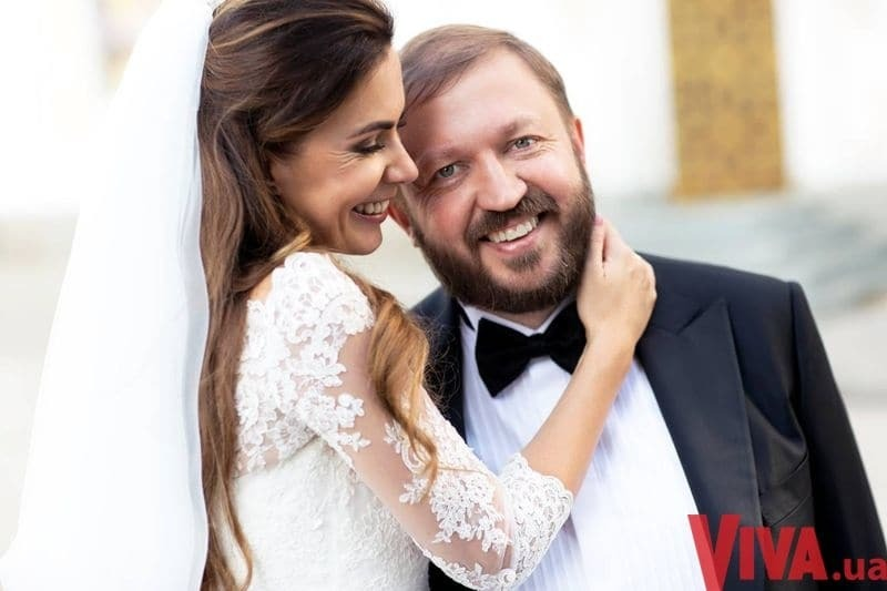 Экс-депутат Горбаль обвенчался с красавицей-женой в лавре: эксклюзивные фото