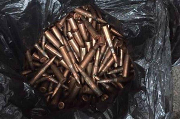 У Києві в гаражі знайшли вибухівку і боєприпаси: опубліковані фото