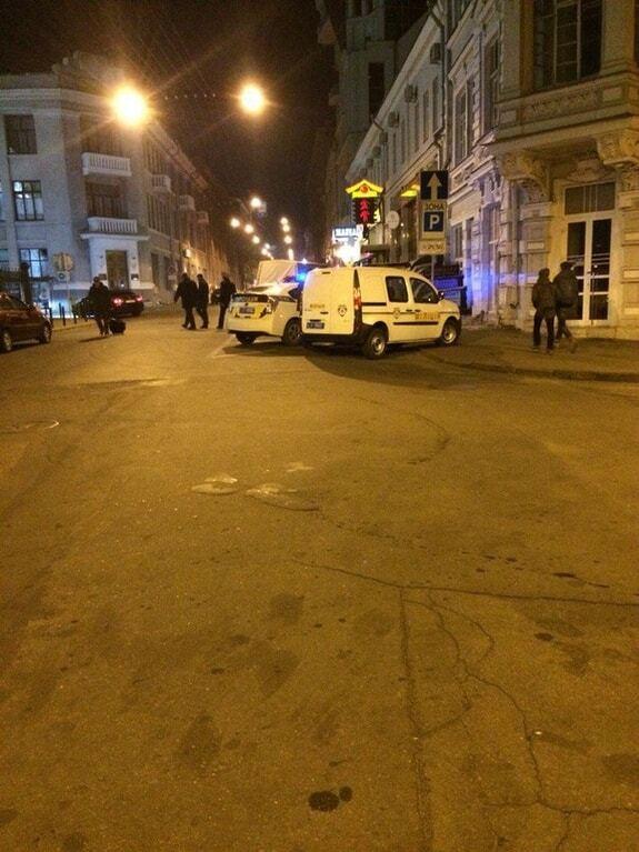 У Харкові жителі заблокували п'яного начальника поліції: очевидці спростовують