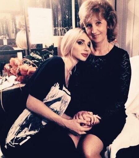 Певица Лобода поддержала желание матери стать депутатом