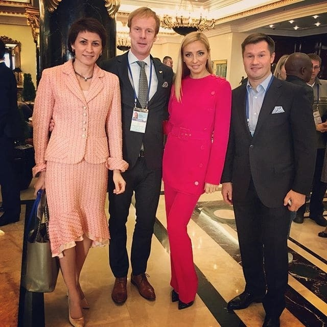 Жена Пескова Навка похвасталась селфи с Сергеем Бубкой