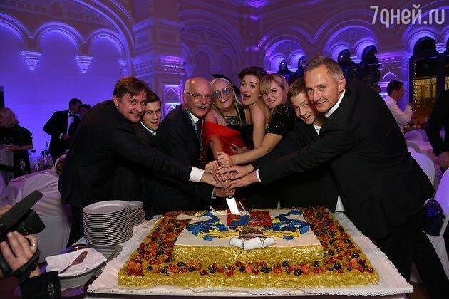 Путін погуляв на шикарному ювілеї Михалкова