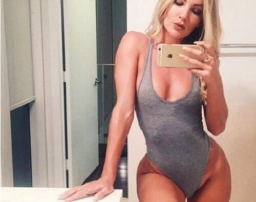 """Instagram покорил новый эротический тренд """"бедро-бровь"""""""