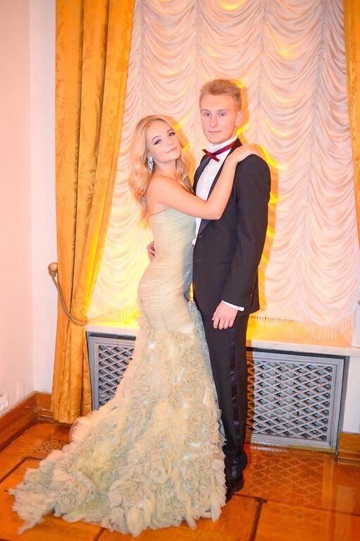 Несовершеннолетняя дочь Пескова объявила о помолвке