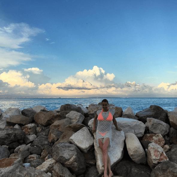 "Волочкова выложила в Instagram фото со своим ""морским"" шпагатом"