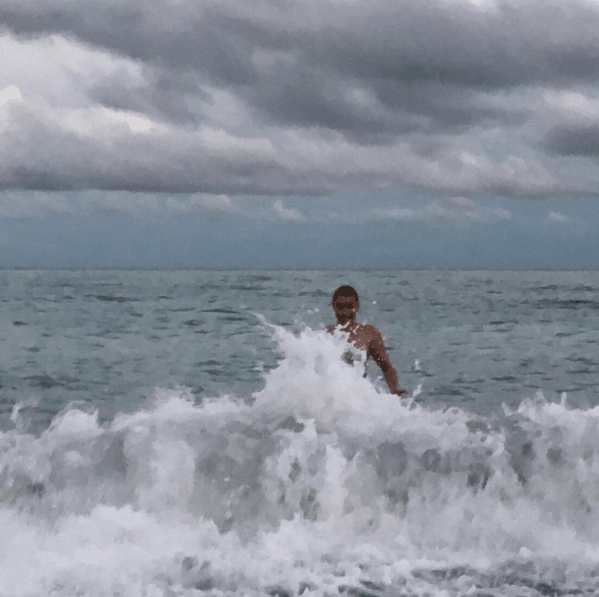 Голая Волочкова порезвилась в морской пене: фото звезды из Турции
