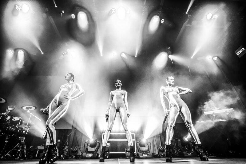 Красотки из Nikita покорили Берлин сексуальными танцами