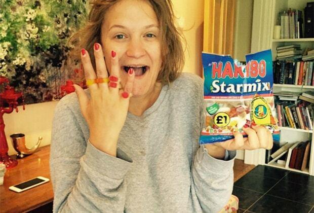 Девушка, ведущая нездоровый образ жизни, стала звездой в Instagram