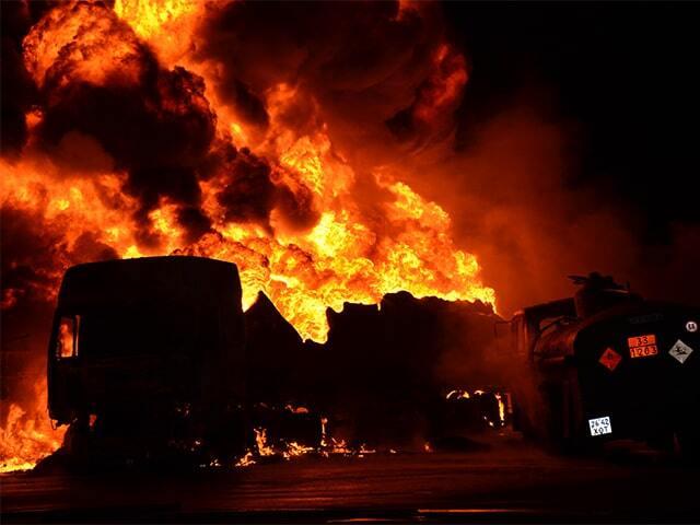 У Миколаєві палали бензовози на АЗС: є постраждалі