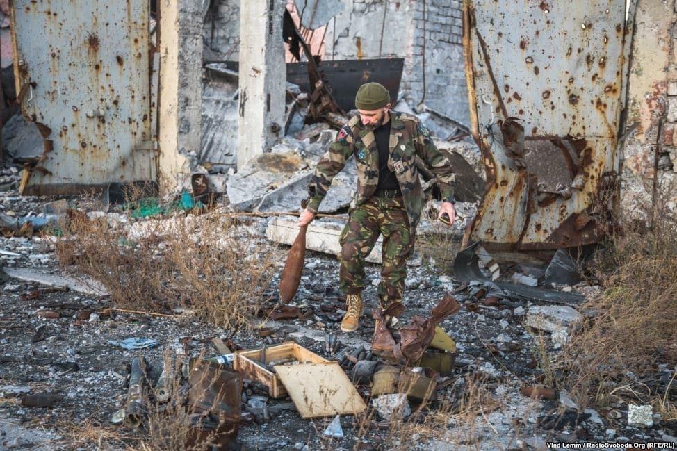 Опубликованы фото разрушенных позиций сил АТО близ донецкого аэропорта