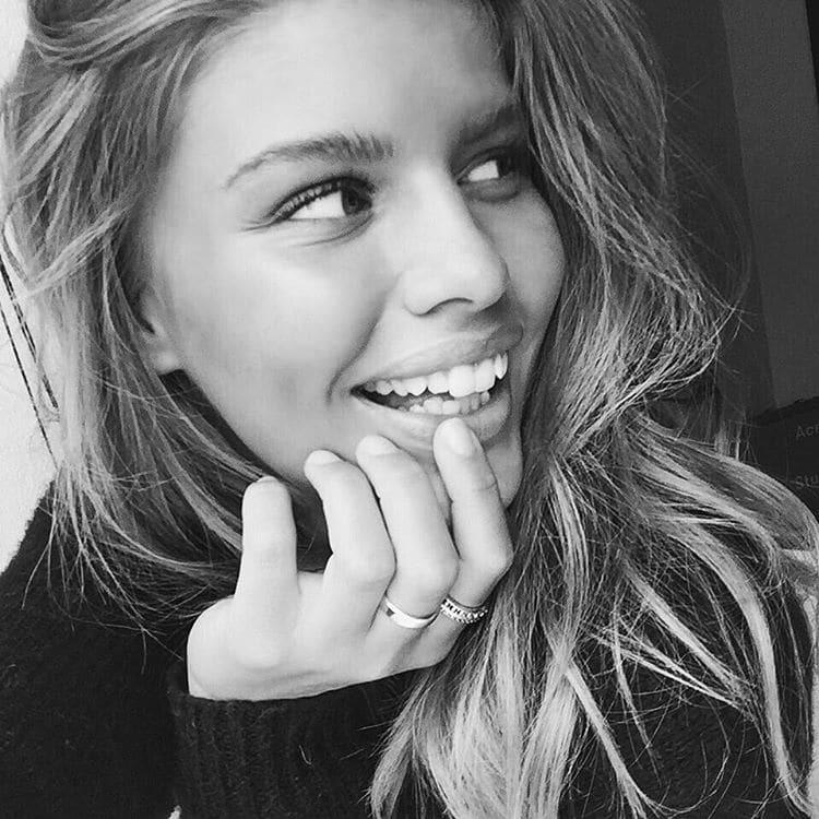 Сексапільна модель: ЗМІ розсекретили нову дівчину Кріштіану Роналду