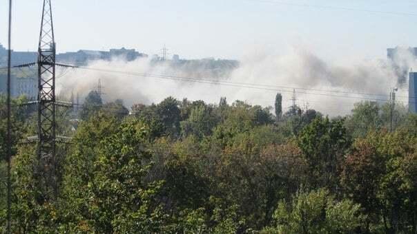 """У Харкові пролунали вибухи на заводі """"Серп і молот"""""""