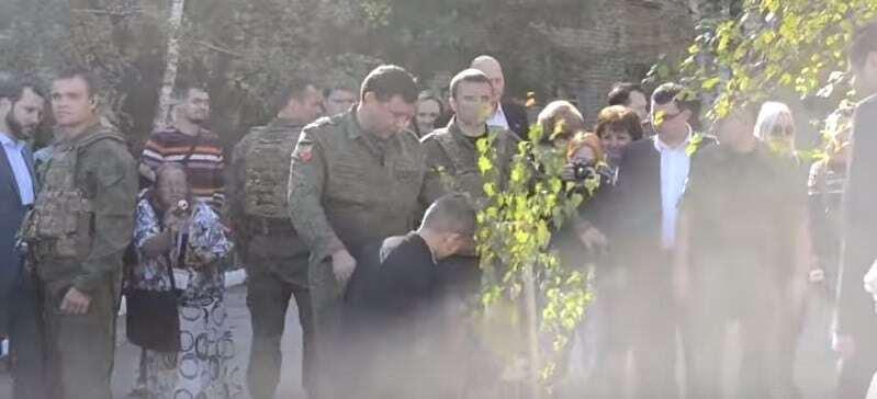 Захарченко приїхав в Горлівку до дітей з купою охоронців: опубліковані фото