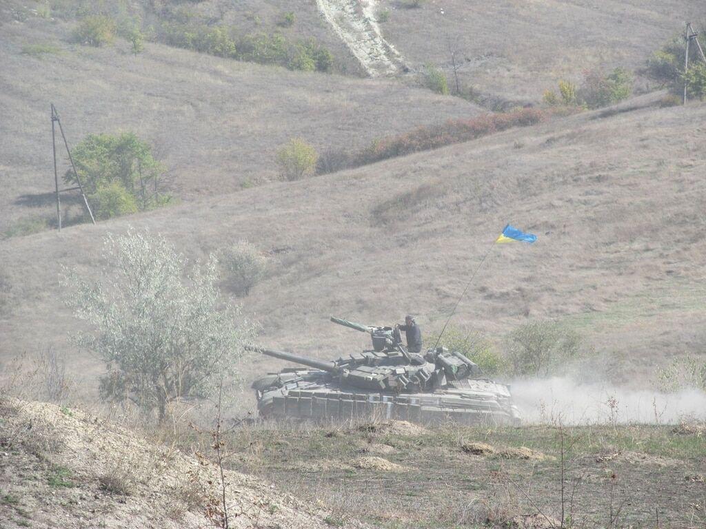 Штаб АТО показав відведення озброєнь на Луганщині: опубліковані фото і відео