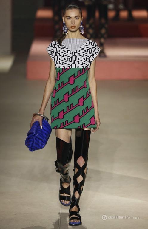 Неделя моды в Париже: графичные принты и объемные силуэты в новой коллекции Kenzo