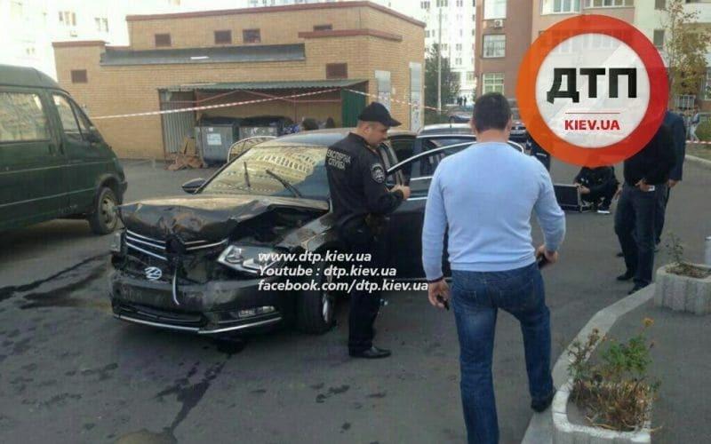 Разбойное ограбление в Киеве: у мужчины отобрали сумку денег