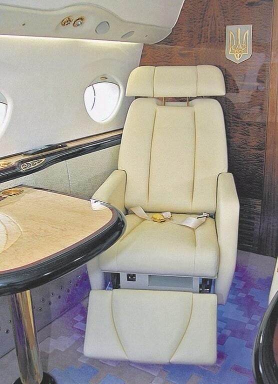 Эконом-класс для народных глаз: СМИ нашли роскошный самолет, на котором на самом деле летает Яценюк